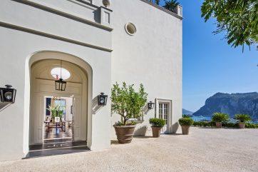Capri Jet Escapes